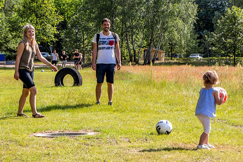 Fussballgolf-Kolpin-Erlebnispark-Ausflugsziel-Brandenburg-Familie-Klein-und-Gross