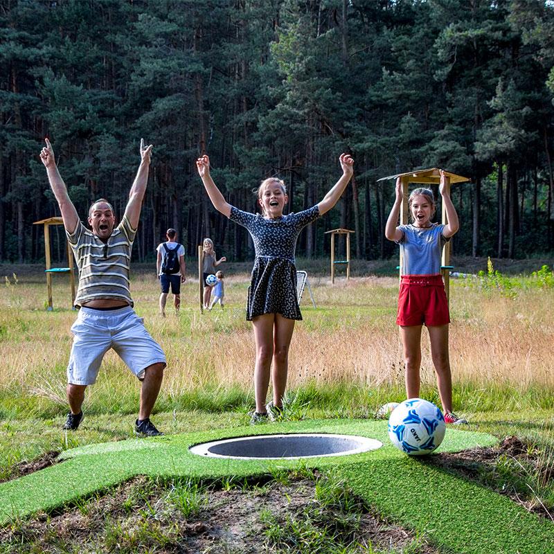 Fussballgolf-Kolpin-Fussballgolf-Fussball-Billard-Bubble-Fussball-Erlebnispark-Ausflugsziel-Ganze-Familie