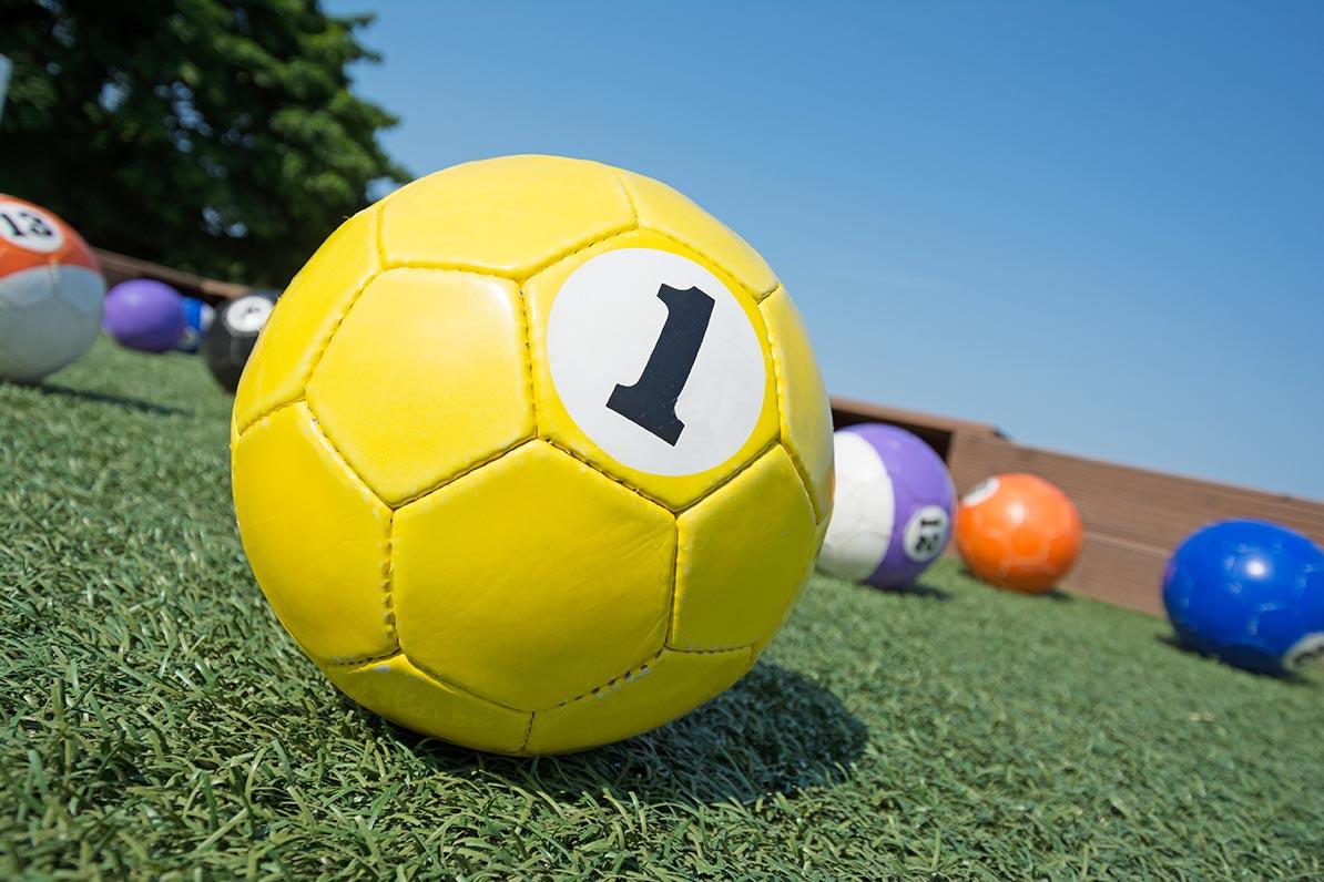 Billard-Fussball-Stock2
